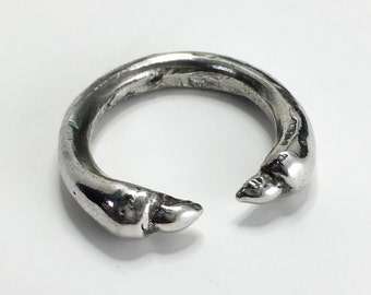 Devil's claw ring