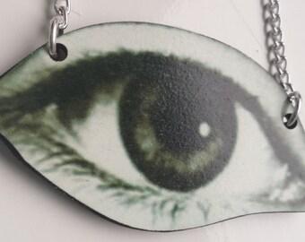 Wooden big eye pendant necklace
