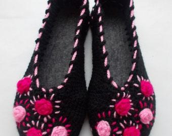 Slippers socks Womens Slippers Slippers for the house Slippers handmade crochet on felt soles