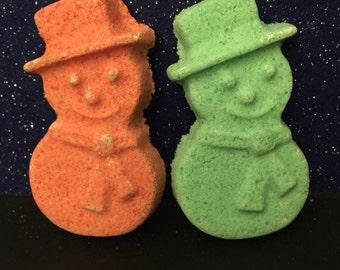 Snowmen bath bombs, snowman bath bomb, snowman, Christmas bath bomb, Christmas gifts, bath bomb gift set, bath bomb set, holiday bath bombs