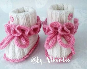 Baby boots knited