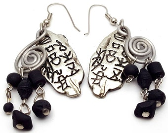 Lightweight Plastic Primitive Art Drop Earrings Vintage from the 90s Silver tone and Black Plastic and Metal dangle Prehistoric Primal Basic