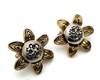 Clip On Black and Gold Tone Plastic Marigold Flower Round Stud Earrings Vintage 80s Fashion Lightweight Statement Runway Modern