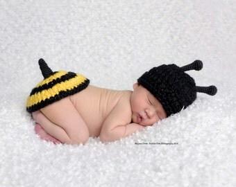 Newborn bee photo prop
