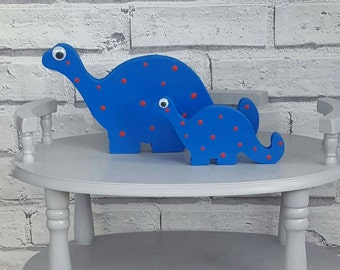 Freestanding dinosaurs