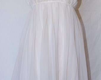 Vintage 50's/60's night gown/slip