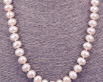 String of pearls oval 9mm chain with Pearl PKE105