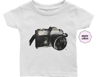 Vintage Camera Infant / Baby Short-Sleeve Shirt | Film Camera Infant Shirt | Photographer Baby T-Shirt | Photography Baby Shower Gift | 35mm