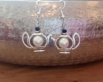 Pearl tea earrings