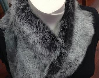 Toscani lambskin collar with rose quartz closure