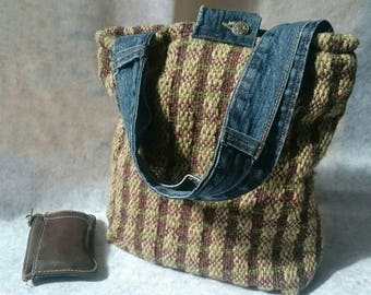 Handwoven tote bag - woollen silk fleece - natural colours (sandstone, moss green, heather purple) - denim - button close - inner pocket