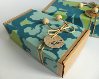 Personalized gift box in teal and lime, Sophisticated Gift Case, Eco frendly cardboard gift box with floral pattern, Free name label