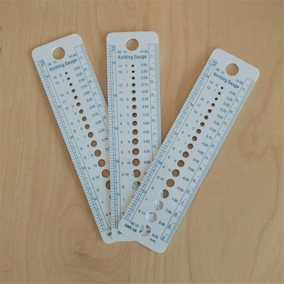 Knitting Needle Sizes In Metric And Imperial : Knitting needle gauge ruler multifunctional tool