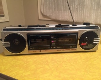 General Electric Vintage 1980's Grey Radio Double Cassette Recorder Tape Player Ghetto Blaster Boombox