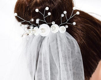 White Bridal Veil on Comb with Decorative Beaded Pearl Embellishment