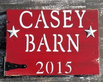 Personalized Family Name Barn Sign, Rustic Barn Red Name and Date Painting, Custom Distressed Barn Sign, Your Name on Rustic Wood Plaque