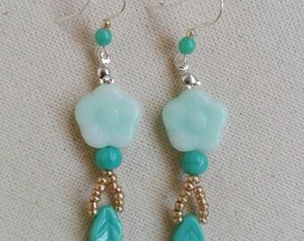 Earrings silver Czech crystal in aquamarine green beads