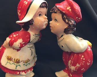 Vintage Dutch Boy and Girl Kissing Salt and Pepper Shakers