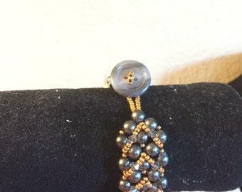 Handmade grey pearl bracelet