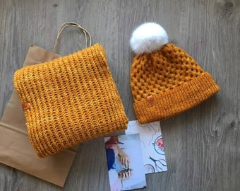 Women Hat and Scarf Set, Valentine Day Gift for Her, Fur Pom Pom Beanie Hat and Chunky Circle Cowl Scarf