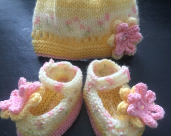Baby hat & Mary Jane shoes bootees set hand knitted in varigated lemon/pink with knitted flower detail baby shower gift