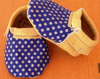 Blue & beige dots // topos azul y beige