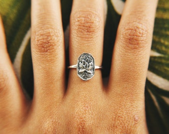 Lotus Stamp Ring