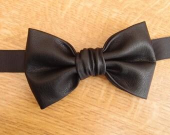 Black leather pre-tied bow tie for men, Black bow tie for men, Leather bow tie, Wedding Bow Ties, Men's Ties,Handmade, Black leather Bow tie