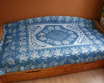 Kelim handwoven rug, tablecloth, bedspreads, wall hangings, bedspread, table runners, carpet