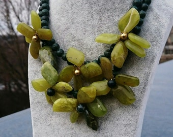 Gemstone necklace serpentine