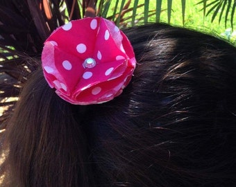 Pink polka-dot hairtie
