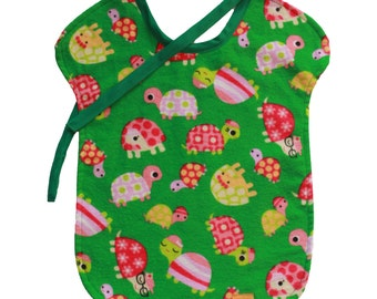 Reversible bib - turtles