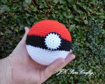 Pokeball. Pokeball Crochet. Pokemon Amigurumi. Pokemon crochet toy. Pokeball Toy