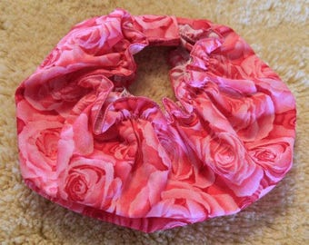 Dog Snood #1006 Roses All Over