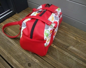 Apple bowling bag