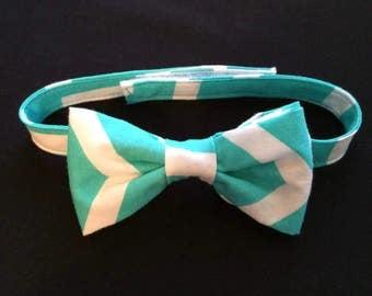 Boys Aqua and White Bow Tie, Aqua Chevron Bow Tie, Little Boys Aqua & White Bow Tie, Adjustable Tie, Baby Bow Tie, Chevron Pattern Bow Tie