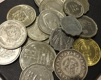 Grave a bag of 10 old coins from Middle East Countries