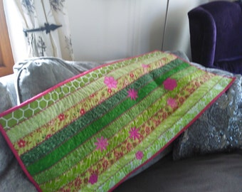 Stylish modern green, white and cerise strip quilted TABLE QUILT