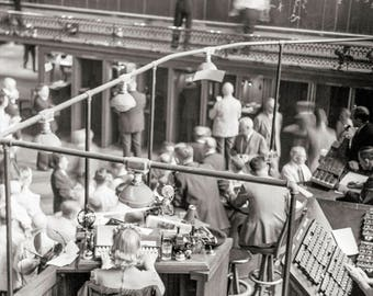 Minneapolis Photo, Office Decor, Minneapolis Grain Exchange, Minneapolis, Minnesota, Bidding on Futures, 1939, Historical Minneapolis