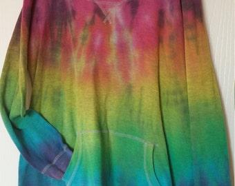 Tie dye long sleeve pullover