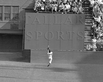 Willie Mays, Say Hey Kid, Basket Catch, Baseball, Baseball Décor, Baseball Prints, Poster, Giants, Mets, 8x10, 11x14, 16x20 (TSS190)