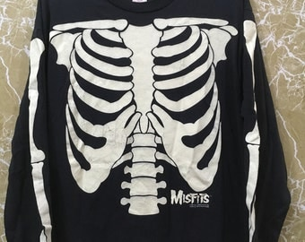 Reserve to jason gambrah Vintage 90s Misfits long sleeve over print skulls XL size glow in the dark black colour