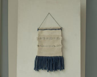 Blue and white chunky weaving