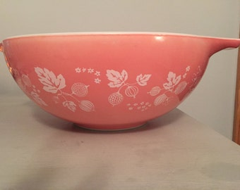 Pyrex Pink Gooseberry 4 Quart Cinderella Nesting Bowl