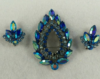 Gorgeous Signed Sarah Coventry  Rhinestone Brooch and Earrings Set, Demi Parure, Blue Aurora Borealis