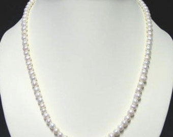 White Freshwater Pearl necklace and bracelet