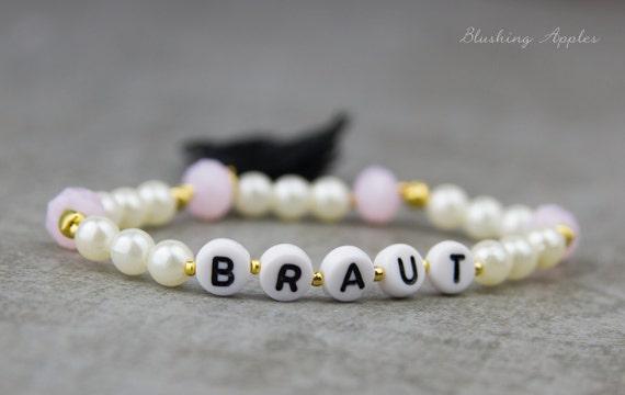 braut buchstaben armband mit perlen in rosa creme gold. Black Bedroom Furniture Sets. Home Design Ideas