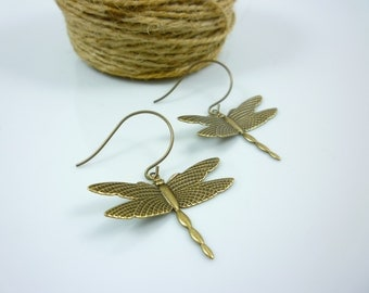Antiqued Bronze Raised Wing Dragonfly