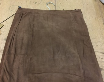 Size 12 suede skirt with zip
