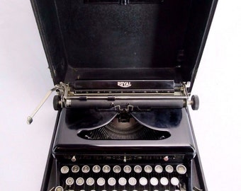 Vintage ROYAL Typewriter Touch Control Portable Manual w/ Case 1930s Made in USA